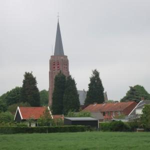 De kerktoren van Nisse stamt uit de 14e eeuw